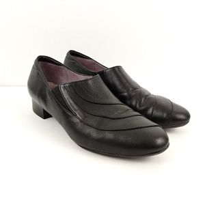 BeautiFeel Ashley Soft Black Leather Slip On Pumps